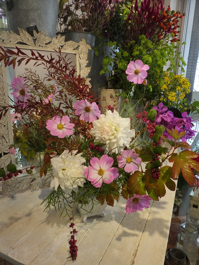 オークリーフ花の教室(山田さんと石川さんの作品)_f0049672_17583620.jpg
