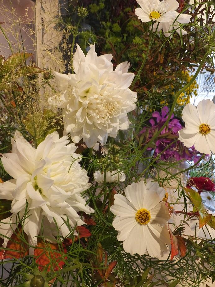 オークリーフ花の教室(山田さんと石川さんの作品)_f0049672_1759292.jpg