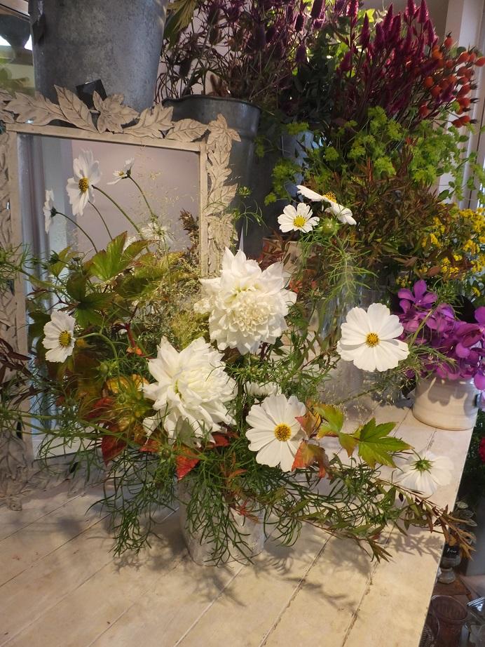 オークリーフ花の教室(山田さんと石川さんの作品)_f0049672_17593896.jpg