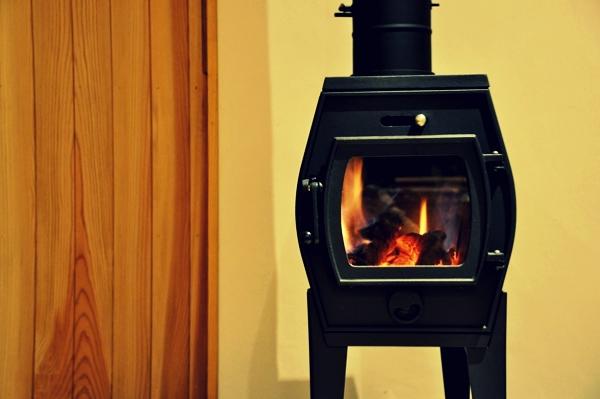 火を見て暖まる暮らし始めました_c0128375_14113517.jpg