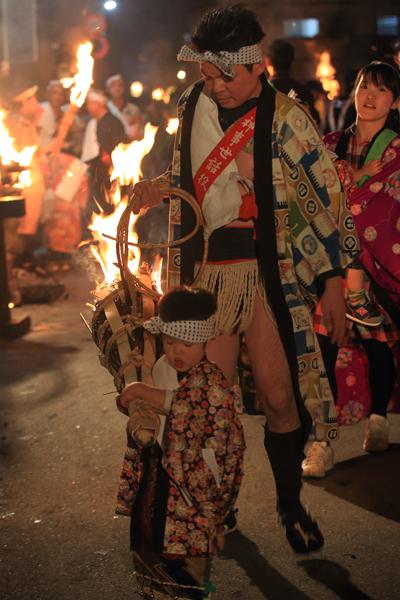 鞍馬の火祭_e0051888_3194016.jpg