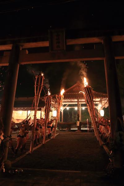 鞍馬の火祭_e0051888_3213399.jpg
