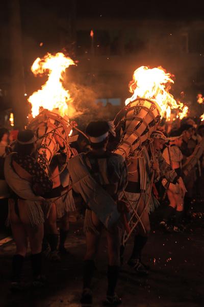 鞍馬の火祭_e0051888_3244866.jpg