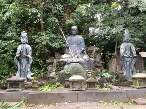 小石川伝通院 指塚 浪越徳治郎先生のお墓まいり。_a0112393_13482818.jpg