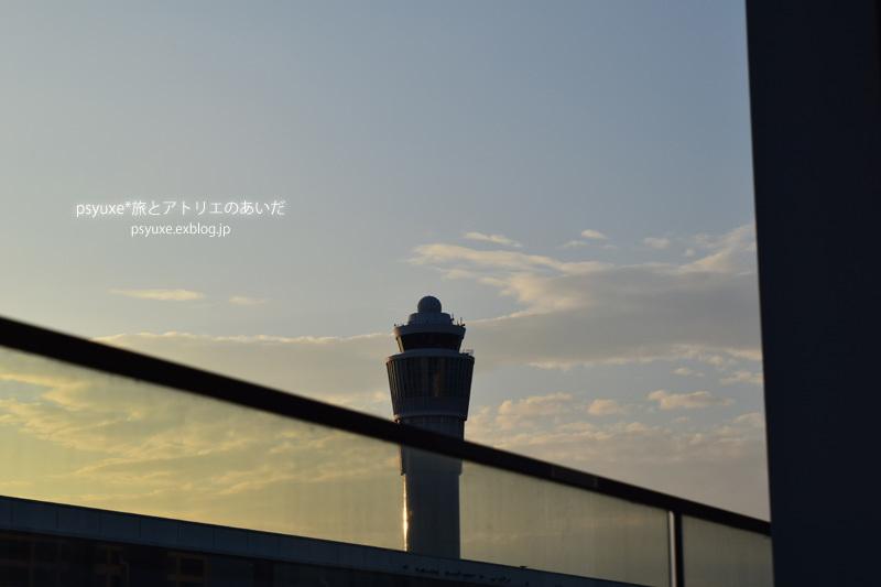 Control Tower_e0131432_20583112.jpg