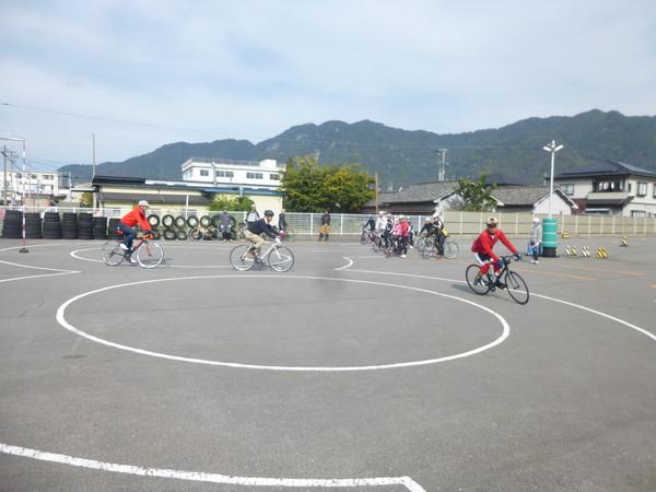 スポーツバイクスキルアップセミナーin上田自動車学校のご報告_b0217782_1534592.jpg