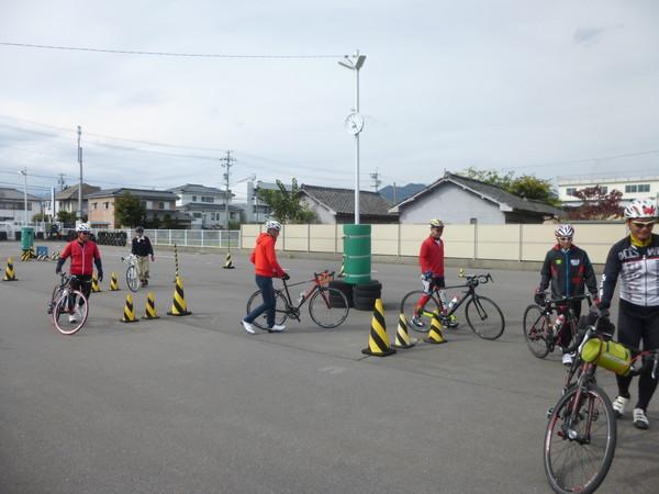 スポーツバイクスキルアップセミナーin上田自動車学校のご報告_b0217782_1535370.jpg