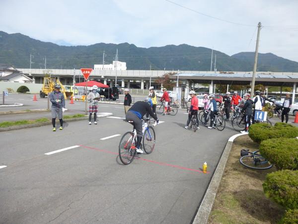 スポーツバイクスキルアップセミナーin上田自動車学校のご報告_b0217782_154319.jpg