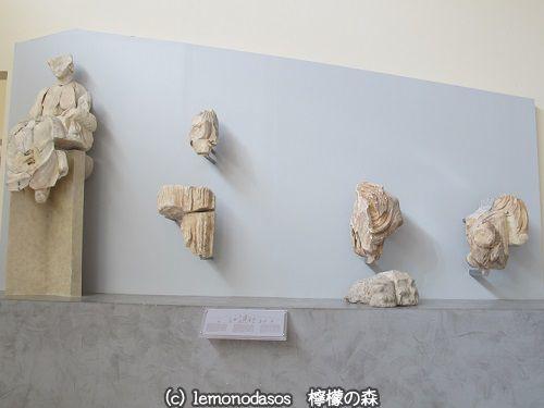 アポロン神殿の東破風のアポロン像 デルフィ考古学博物館_c0010496_03400282.jpg