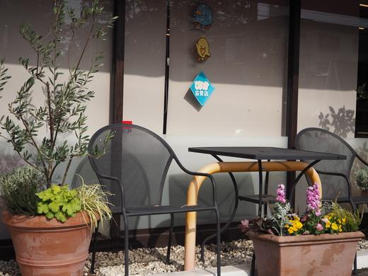 ブリオ天白店さまのお花の植え替え_f0139333_032510.jpg
