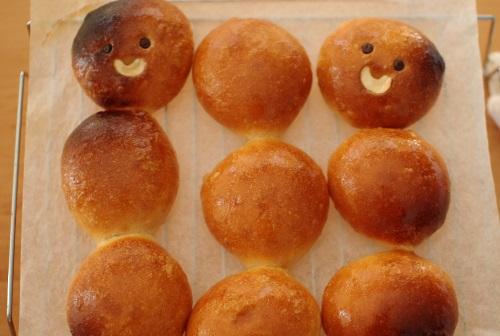 ふつうの生地で丸パンを作る_c0110869_13314883.jpg