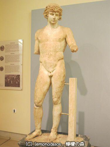 アンティノオス像  デルフィ考古学博物館_c0010496_19012403.jpg