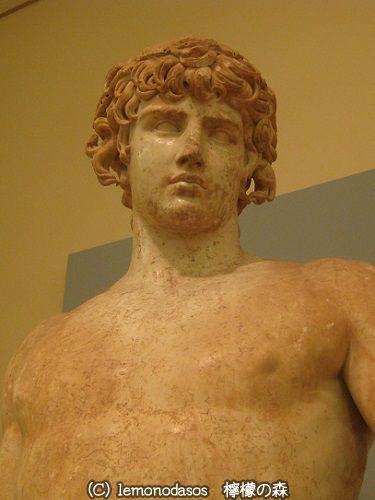 アンティノオス像  デルフィ考古学博物館_c0010496_19015504.jpg