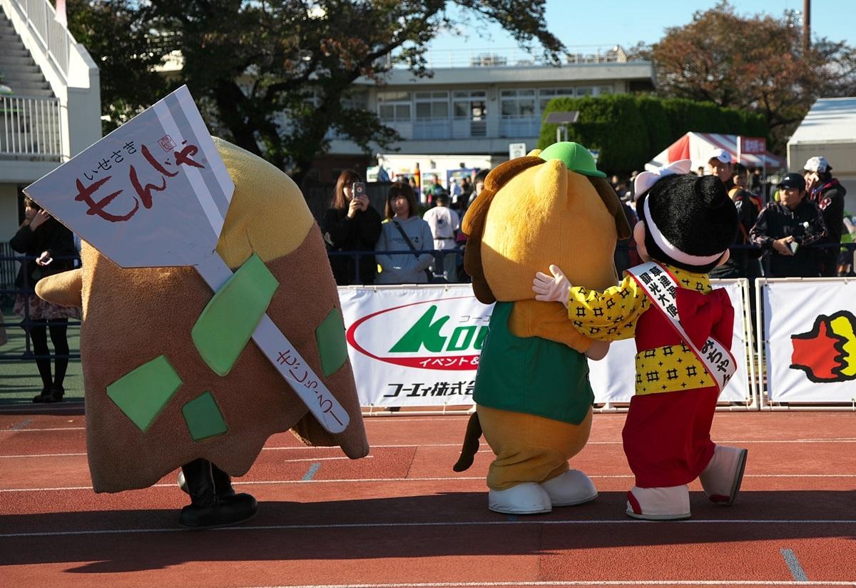 第26回ぐんまマラソン「ご当地キャラハイタッチ隊」_a0243720_23553419.jpg
