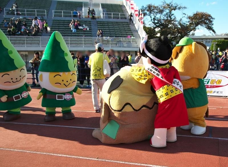 第26回ぐんまマラソン「ご当地キャラハイタッチ隊」_a0243720_23561648.jpg
