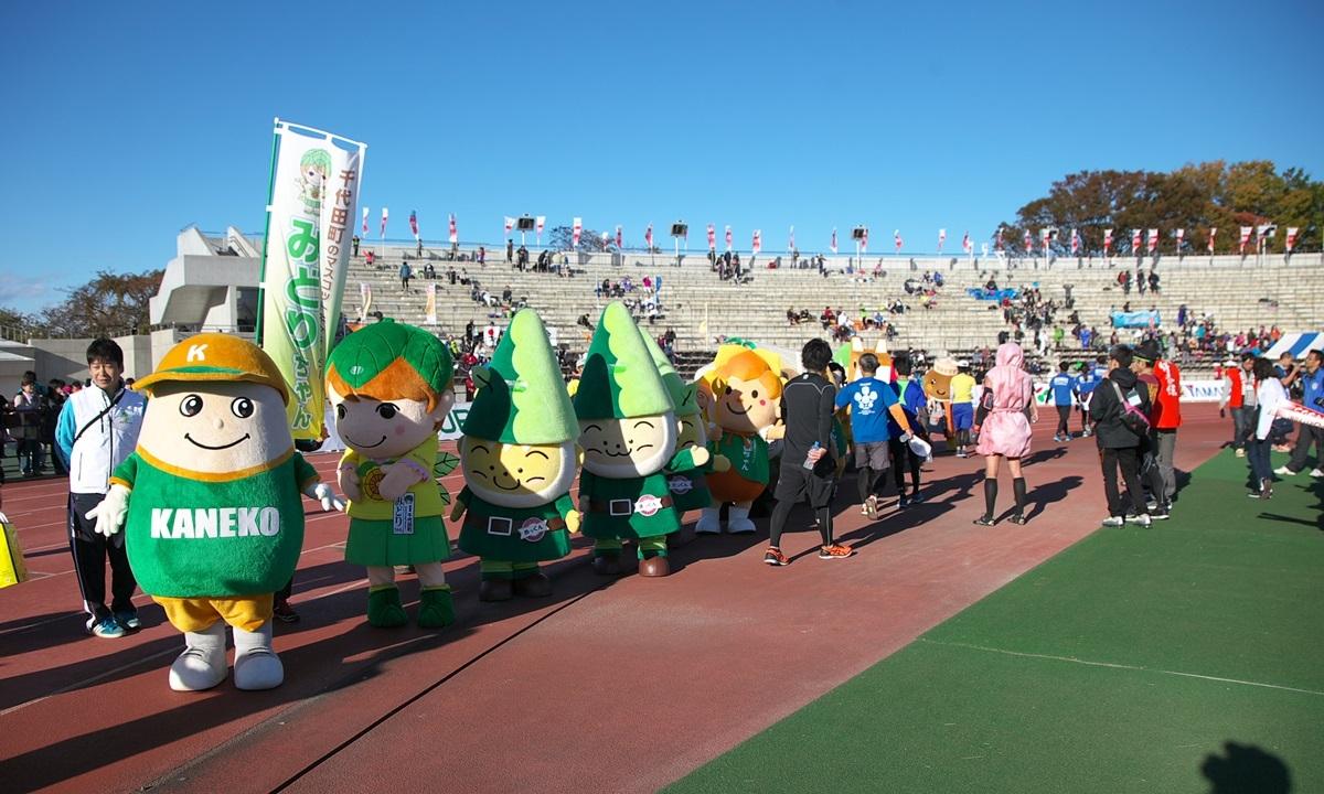 第26回ぐんまマラソン「ご当地キャラハイタッチ隊」_a0243720_23571324.jpg