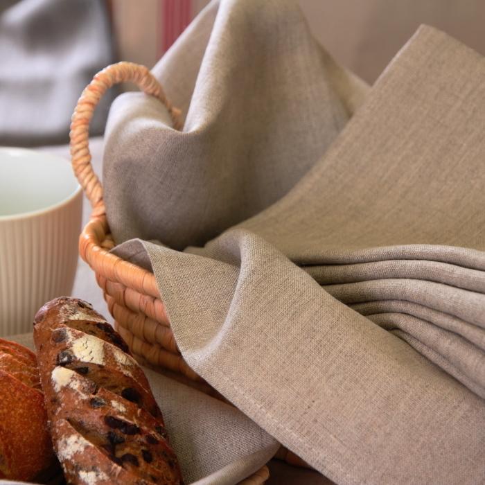 【「フランス流しまつで温かい暮らし」に出てくるテーブルウェアを買えるお店 パート2】_d0170823_18425320.jpg