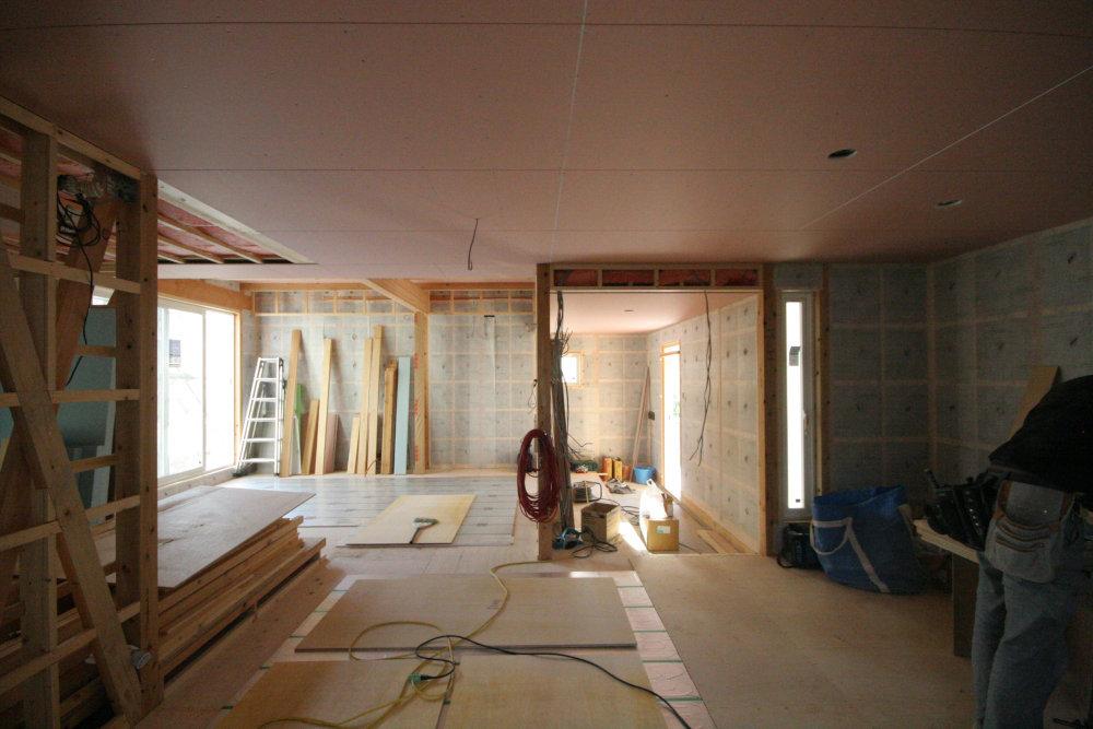床暖房パネルの設置_b0349892_11282960.jpg