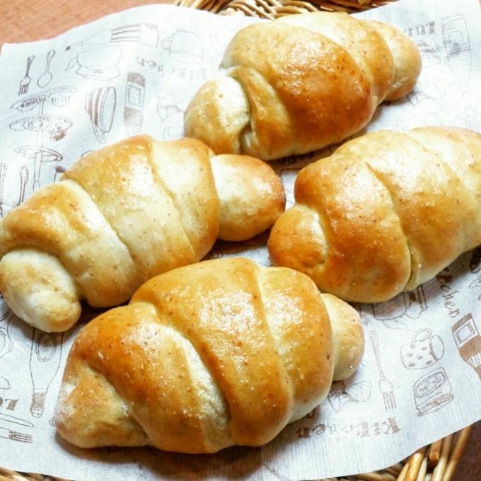 11月3日(祝)   チーズケーキと塩バターロール_d0138307_11415292.jpg