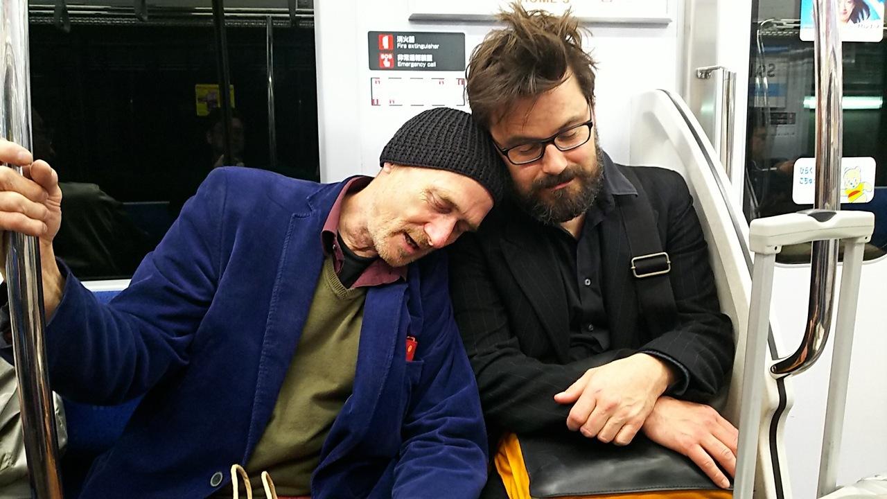 日本人は電車の中で寝るんだね?といったそばから....笑(ハンス&ガウデンツとの珍道中の巻)_d0244370_16100045.jpg