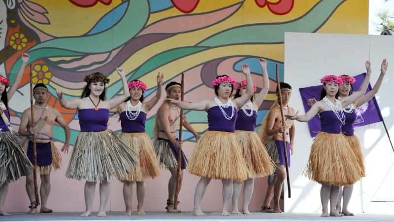 空海村ステージで グアムチャモロダンス熱演 ②_d0246136_22471299.jpg
