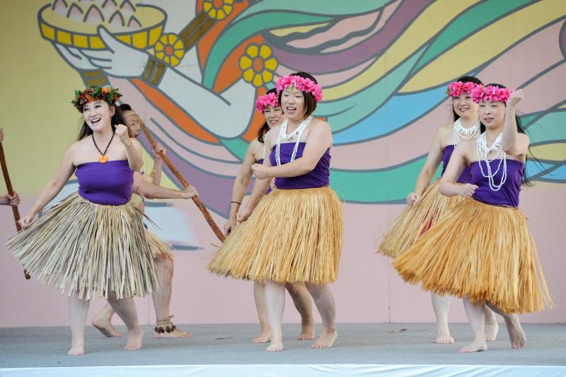 空海村ステージで グアムチャモロダンス熱演 ②_d0246136_22480020.jpg