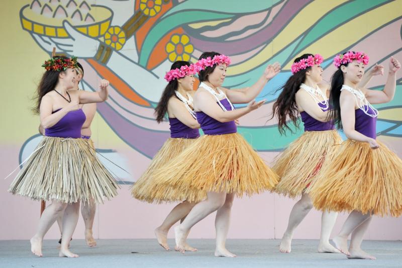 空海村ステージで グアムチャモロダンス熱演 ②_d0246136_22482412.jpg