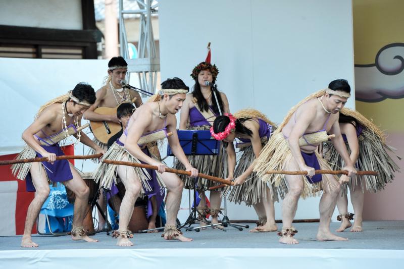 空海村ステージで グアムチャモロダンス熱演 ②_d0246136_22492648.jpg