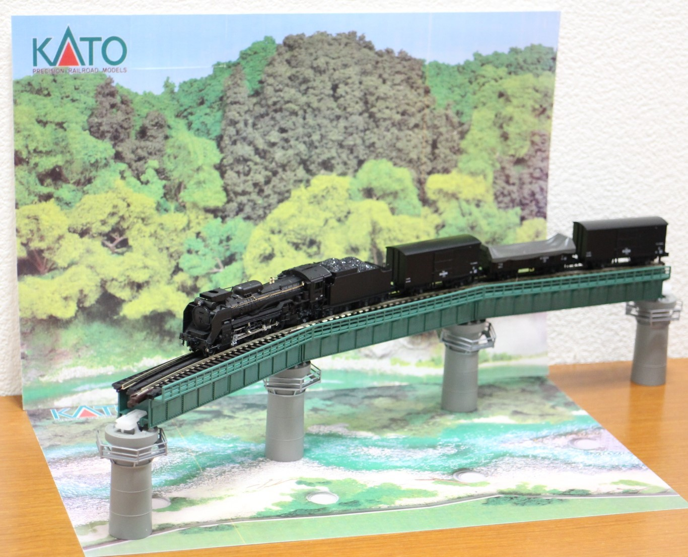 KATO のカーブ鉄橋セットを使い楽しんでみる!_a0149148_10195275.jpg