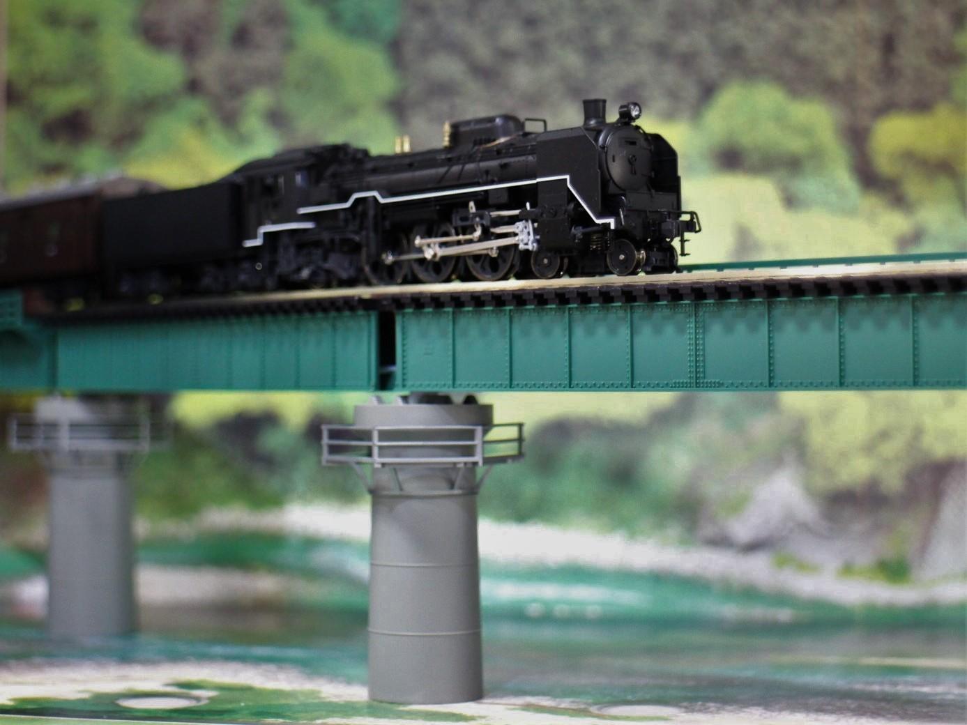 KATO のカーブ鉄橋セットを使い楽しんでみる!_a0149148_10485324.jpg