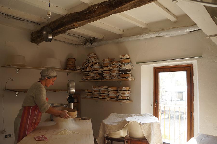 石窯パンにはまっています_f0106597_18230148.jpg
