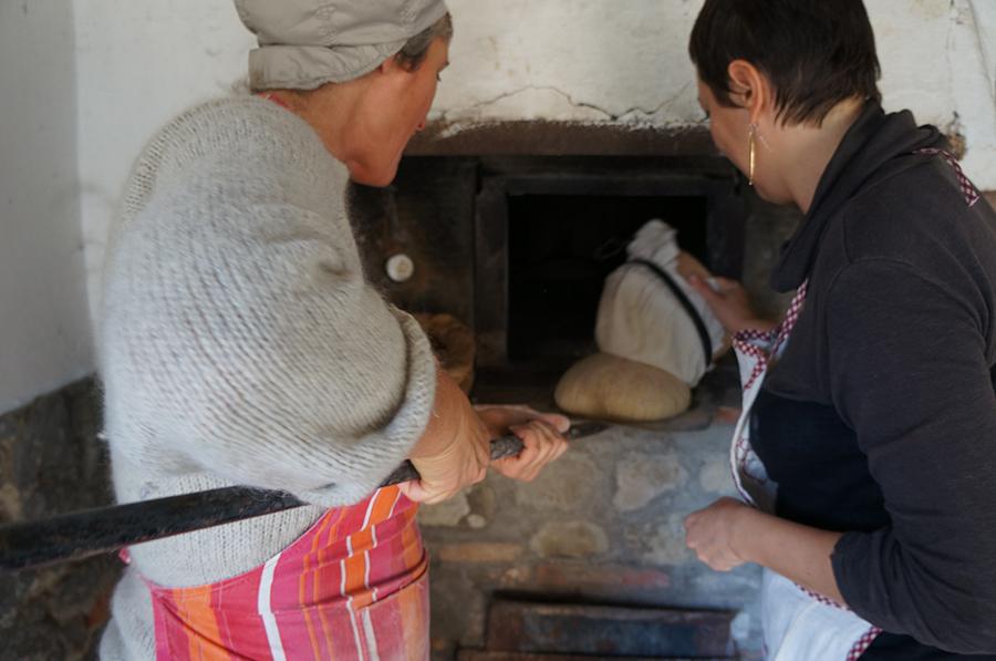 石窯パンにはまっています_f0106597_18361879.jpg