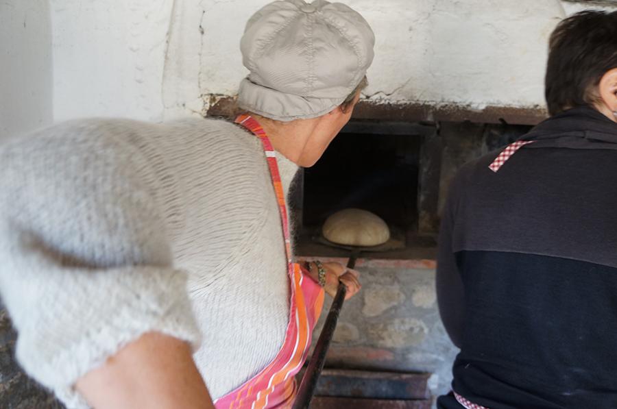 石窯パンにはまっています_f0106597_18372202.jpg