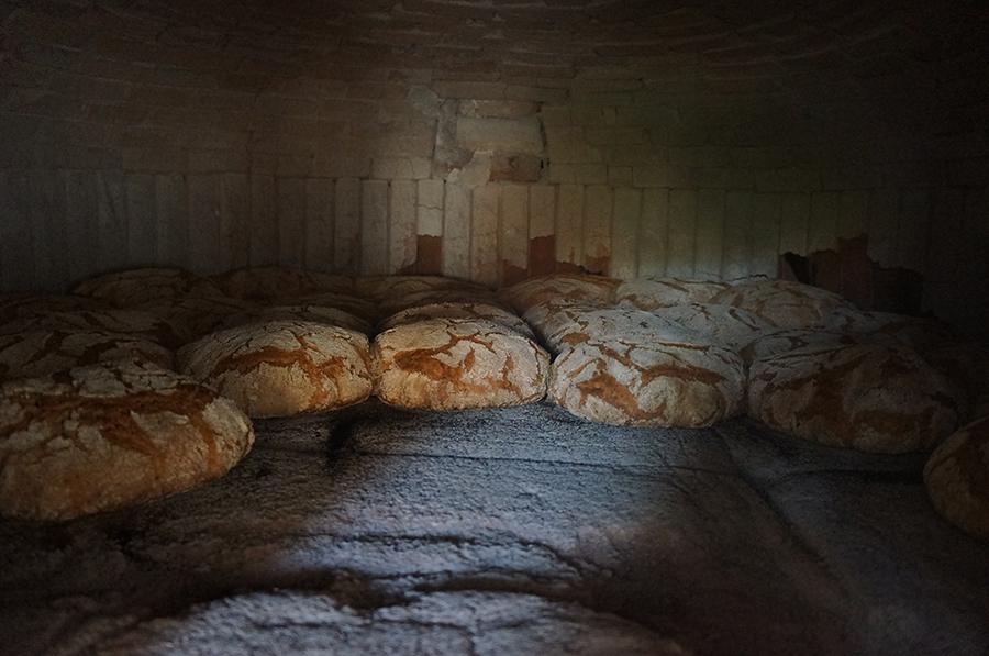 石窯パンにはまっています_f0106597_18375898.jpg
