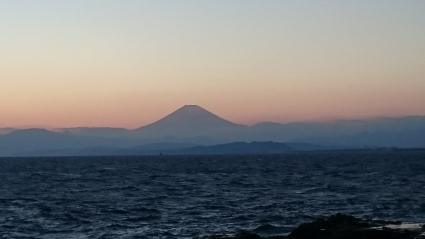 夕陽と富士山@江の島_b0042308_17565348.jpg