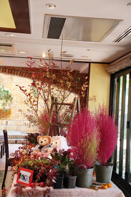 秋、11月の装花 紅葉と実ものの階段装花 ザ・ハウス白金様へ_a0042928_2202841.jpg