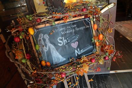 秋、11月の装花 紅葉と実ものの階段装花 ザ・ハウス白金様へ_a0042928_2244770.jpg