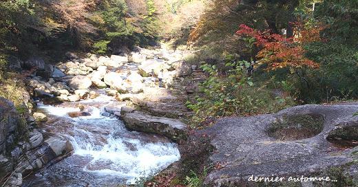深まる秋。晩秋の渓谷・・・☆_c0098807_21295130.jpg
