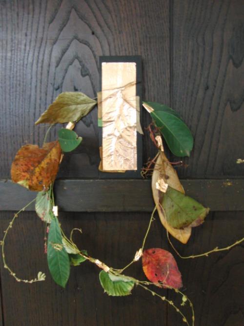 レリーフ ~ 落ち葉の銅箔レリーフ ~_e0222340_1962749.jpg