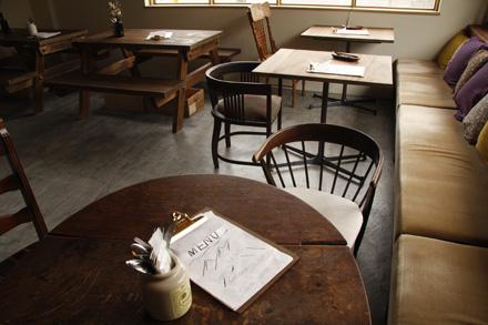cafe Lama_d0103248_1614219.jpg