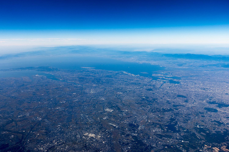 やはり地球は青かった。_e0140159_22190833.jpg