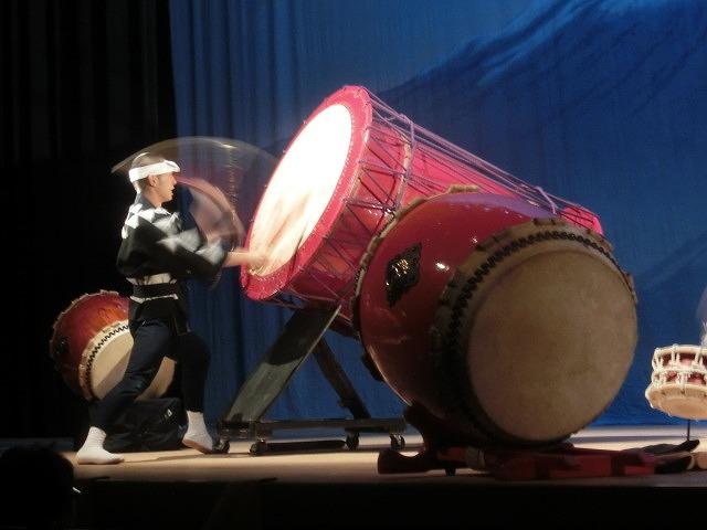 ハイレベルな演奏に圧倒された「鬼太鼓座」(おんでこざ)と「陸上自衛隊東部音楽隊」_f0141310_7514992.jpg