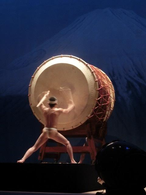 ハイレベルな演奏に圧倒された「鬼太鼓座」(おんでこざ)と「陸上自衛隊東部音楽隊」_f0141310_751959.jpg