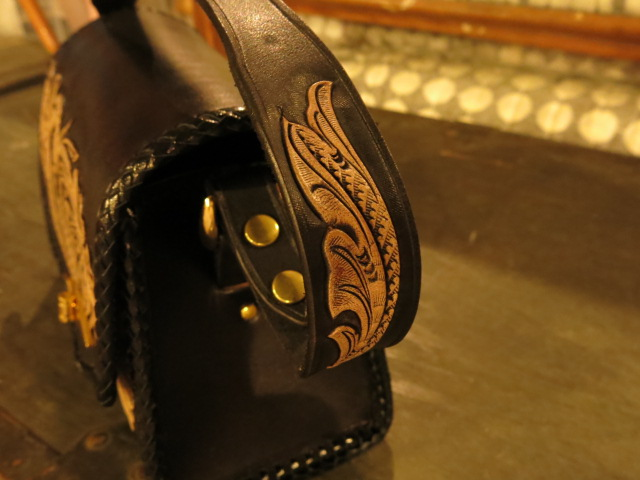 "\""RoosterKing × TheThreeRobbers Carving Hand Bag #1 - ORDER\""ってこんなこと。_c0140560_12355970.jpg"