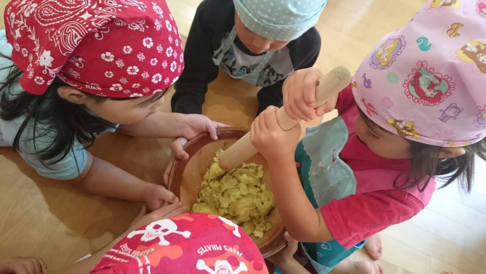 4歳児 らいおん組   クッキーづくりクッキング_c0151262_21451019.jpg