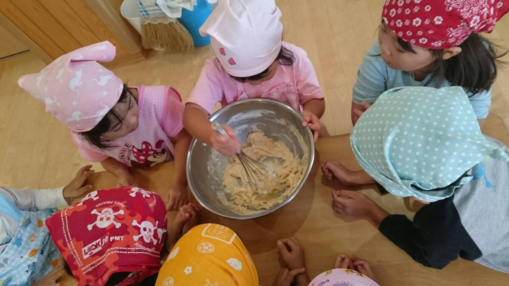 4歳児 らいおん組   クッキーづくりクッキング_c0151262_21453065.jpg