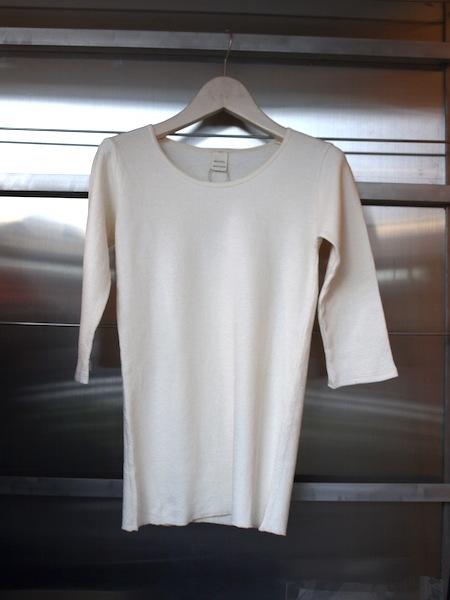 寒い時期のインナーとして大人気のMILFOILオーガニックコットンダブルニットのカットソーに5分袖が登場しました_e0122680_16231763.jpg