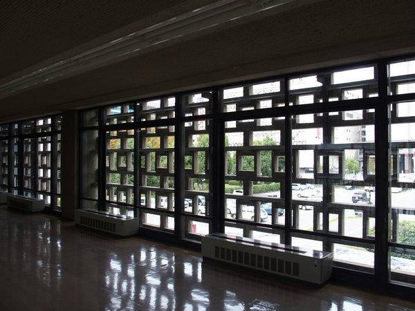 広島県庁舎ファサ-ド_b0190540_12251351.jpg