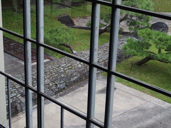 広島県庁舎ファサ-ド_b0190540_12273371.jpg