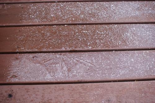 初雪?というか、流れ雪。_c0110869_12303724.jpg